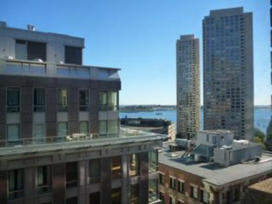 Hilton Boston Downtown / Faneuil Hall: Harbor View from Room 1418