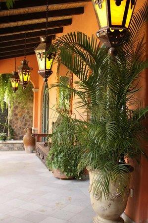 Hacienda del Lago Boutique Hotel: Portales