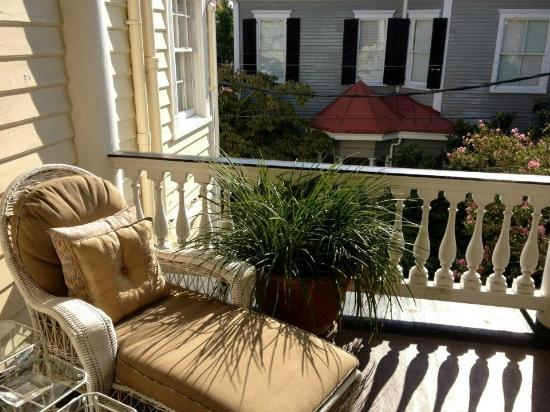 The Governor's House Inn: Rutledge Suite porch