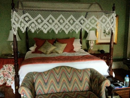The Governor's House Inn: Bed