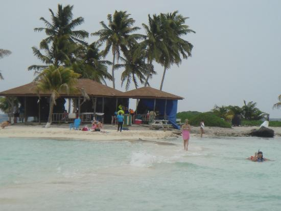 Goff's Caye: Shack (Food and Souvenirs Sold here)