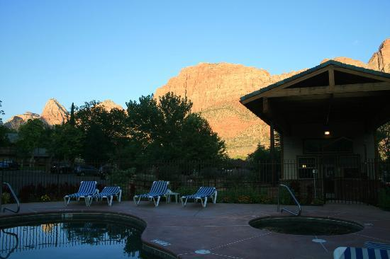 Quality Inn & Suites Montclair: Mountains from pool area