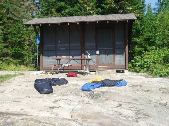Rock Harbor: shelter at Moskey Basin