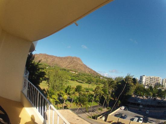 Lotus Honolulu at Diamond Head: View from 7th floor room