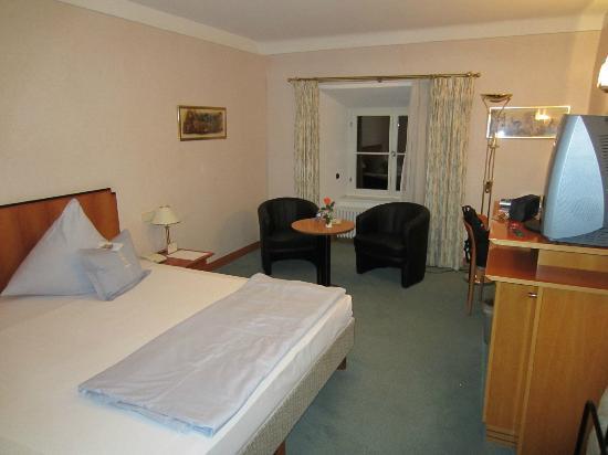 Hotel Jagdschloss Kranichstein: Guest room