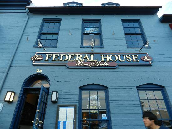 The Federal House Bar & Grille : Entrance