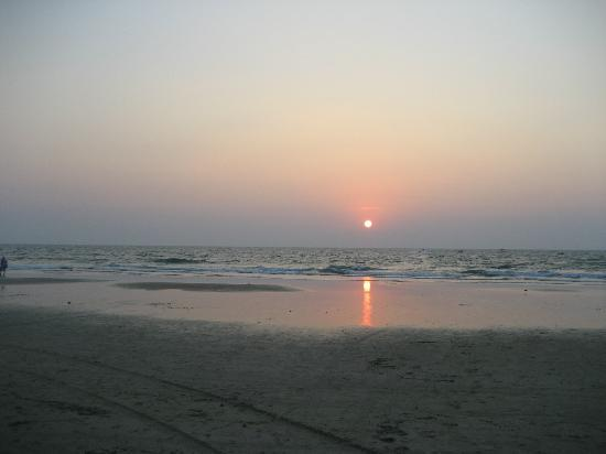 Benaulim Beach: Enjoy sun set.