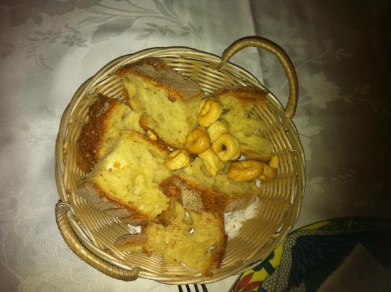 Chacaito L'Osteria dello Zio Aldo: Homemade bread, pepper cookies etc..