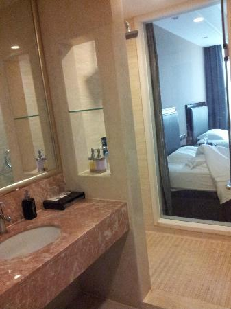 New Century Manju Hotel (Luoshan): Bathroom