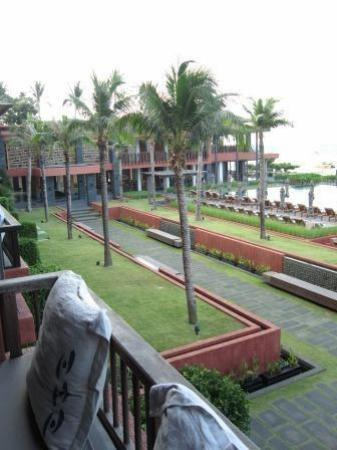 Hansar Samui Resort: Hotel and grounds from room 1208