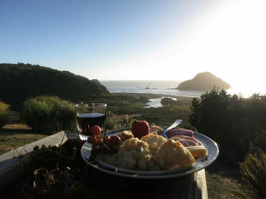 The Elk Cove Inn & Spa: Dinner on the porch