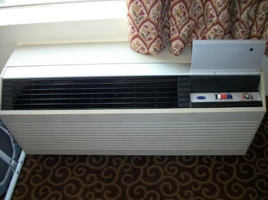 Hampton Inn San Diego/Del Mar: AC Unit