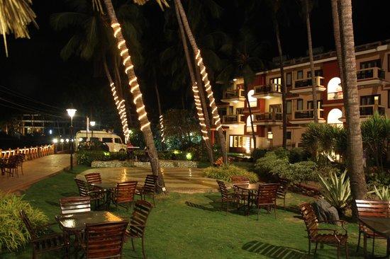 Lazylagoon Sarovar Portico Suites: night view