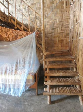 Jungle Beach VietNam: Bamboo Staircase