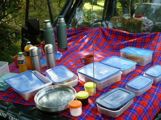 Governors' Il Moran Camp: petit déj en brousse
