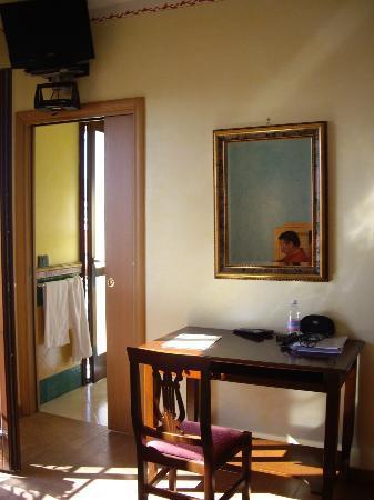 Donna Sabella: A l'intérieur de notre chambre - communication avec la salle de bains
