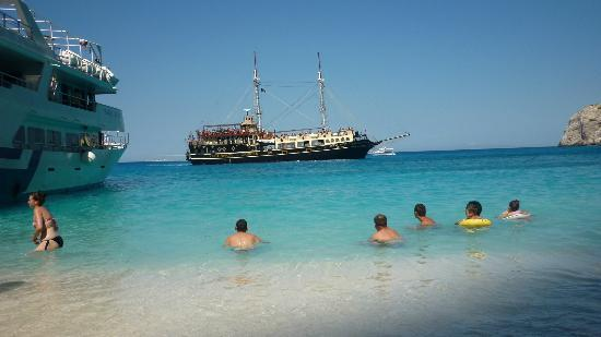 Plessas Palace Hotel: Shipwreck cove on a day trip
