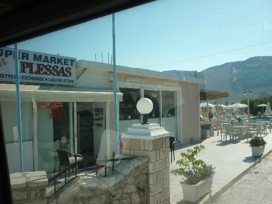 Plessas Palace Hotel: Family supermarket