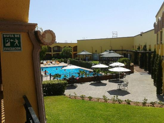 Foto de hotel plaza juarez ciudad ju rez zona de alberca for Albercas economicas