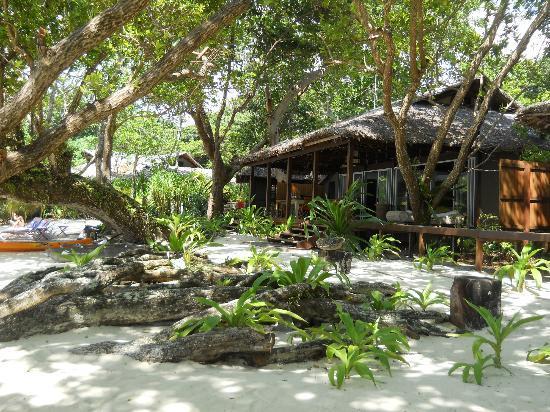 Barrier Beach Resort: main dining area