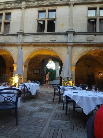 Chateau des Ducs de Joyeuse: Rooms overlooking the dining courtyard