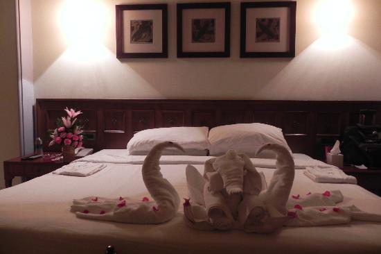 b 39 day deco in room picture of taj holiday village resort. Black Bedroom Furniture Sets. Home Design Ideas