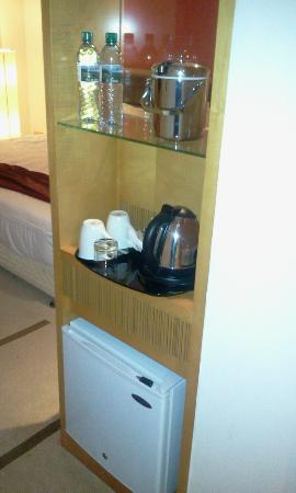Holiday Inn Dar Es Salaam City Centre: Complimentary Coffee making facilities