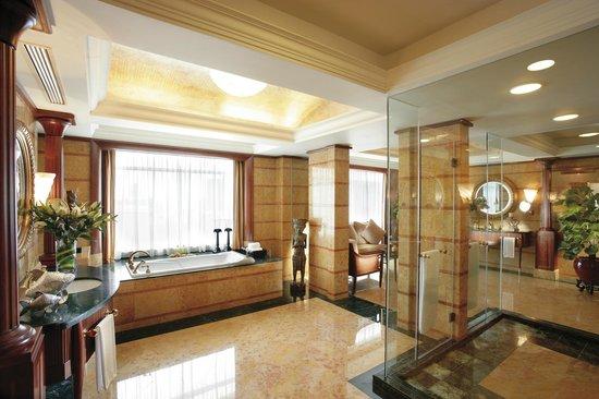 Mandarin Oriental, Kuala Lumpur: Presidential Suite - Bathroom