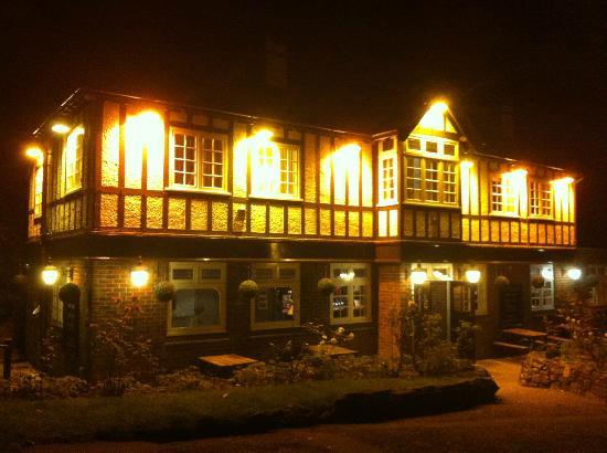 The Fishbourne Inn @ night