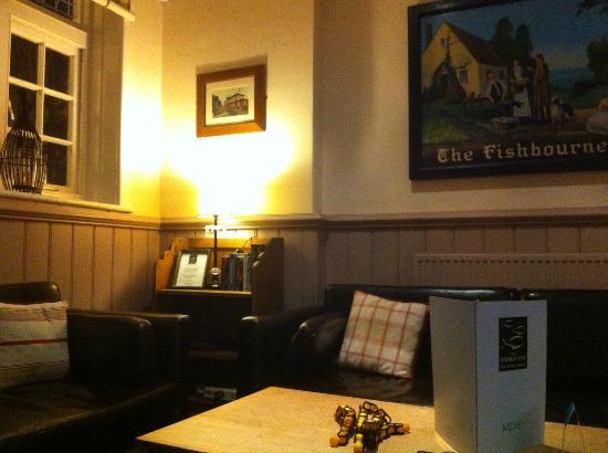 The Fishbourne Inn: pub
