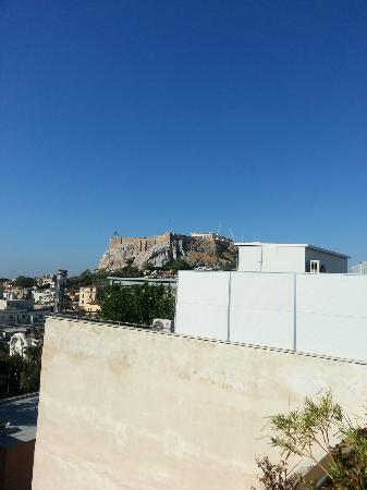 Hermes Hotel: view of the acropolis from the roof terrace