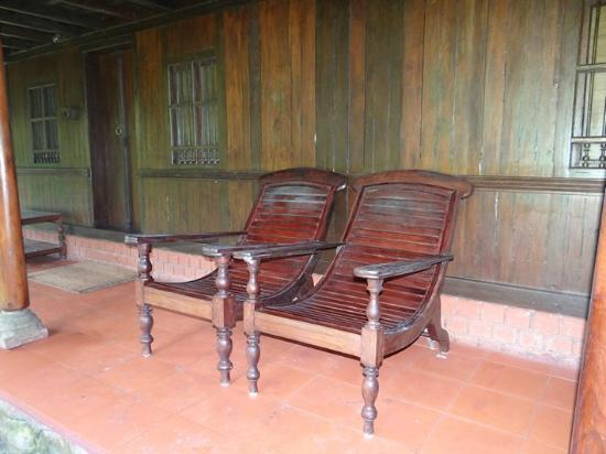 Rain Country Resorts: Sit Out area outside room