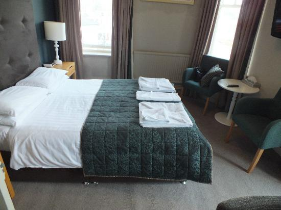 The Ship and Castle Hotel: Superior room