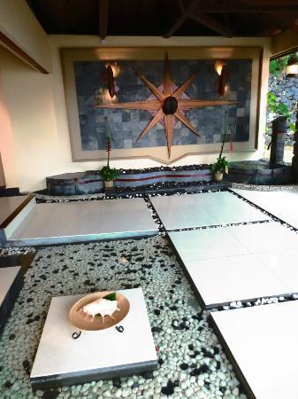 Coco de Mer - Black Parrot Suites: hotel exterior 1