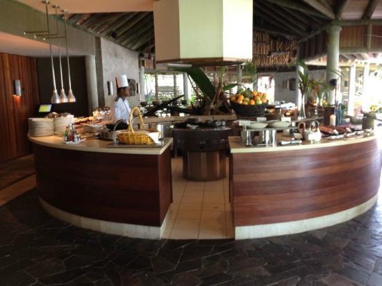 Constance Ephelia: Buffet au petit dejeune