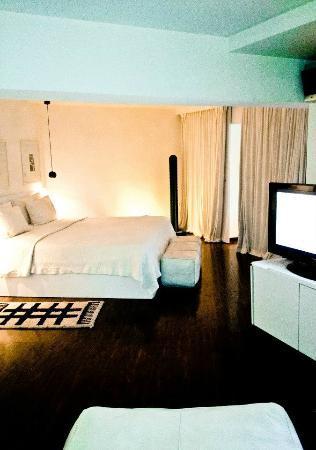 BAB HOTEL : ecran plat + literie