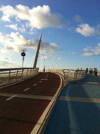 Ponte del Mare: ...e le due corsie