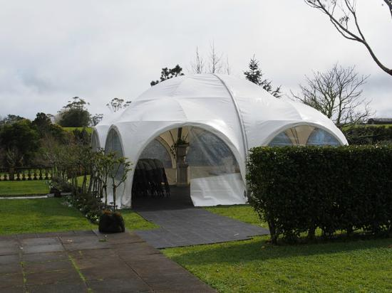 The Ambers Luxury B&B: marquee in back garden