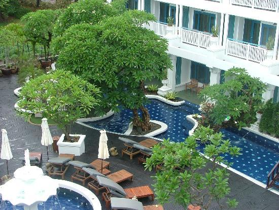 Andaman Seaview Hotel: View of pool area from room balcony
