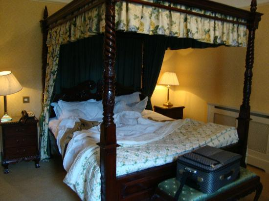 Barberstown Castle: bedroom