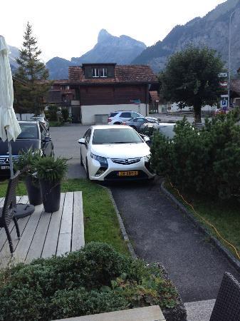 Plus Een Oplaadpunt Voor De Elektrische Auto Foto Van Hotel