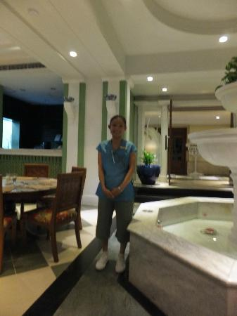 Andaman Seaview Hotel: One of the staff in the restaurant