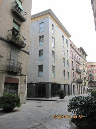 Hotel Ciutat de Girona: Hotel exterior