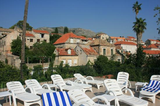 Hotel Supetar: sun terrace