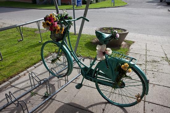Hostel Maribo: Cykelparkering under halvtag