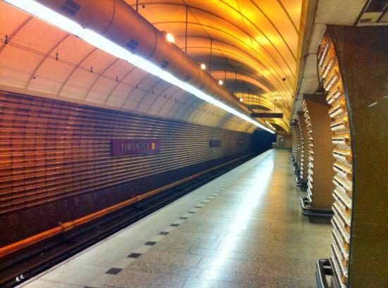"Herrmes: Metro station ""Jinonice"" - platform"