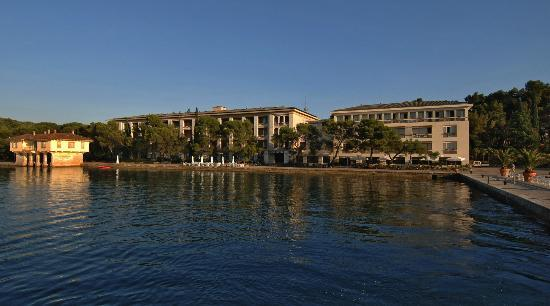 "Neptun-Istra Hotel: The ""Neptun-Istra"" Hotel is situated by the sea in the harbour of the island of Veliki Brijun. T"