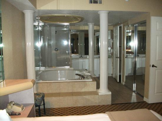 Roman tub in master suite Picture of Westgate Lakes Resort Spa