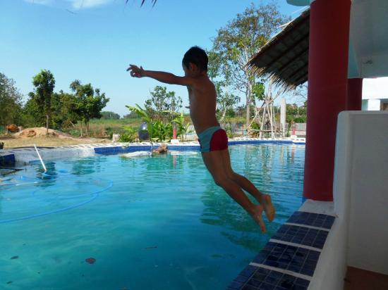 Mirabel Resort pet friendly hotel Pattaya: family friendly