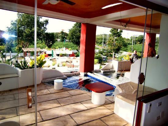 Mirabel Resort pet friendly hotel Pattaya: terrace